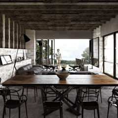 Dining room by Mouret Arquitectura