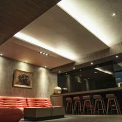 Media room by 勻境設計 Unispace Designs