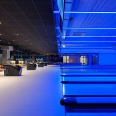 Aménagement d'un multiplexe de loisirs: Lieux d'événements de style  par Créateurs d'interieur