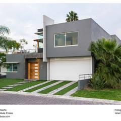 .: Condominios de estilo  por René Flores Photography