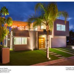 Terrace house by René Flores Photography