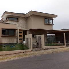 Casas unifamiliares de estilo  por Sociedad Comercial & Ingeniería ING Spa., Clásico