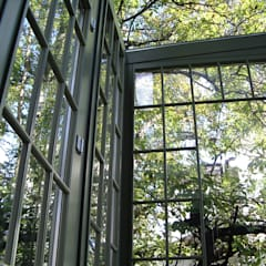 Okna Klasyczne okna i drzwi od GRACJA SP. Z O.O. Klasyczny Drewno O efekcie drewna