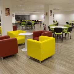 Biblioteca: Espaços comerciais  por JC Arquitetura e Interiores
