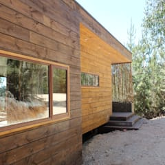 Wooden houses by Kimche Arquitectos , Mediterranean Wood Wood effect