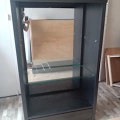 Custom wardrobe: Office spaces & stores  oleh alesha projects ,