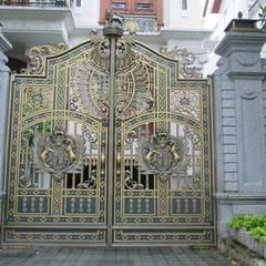 Puertas interiores de estilo  por CÔNG TY CỔ PHẦN SẢN XUẤT HOÀNG GIA HÀ NỘI, Escandinavo Mármol