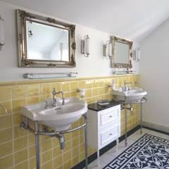 Badezimmer im Vintage Stil :  Badezimmer von Traditional Bathrooms GmbH