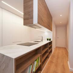 Muble cocina con estanterías | Sincro: Cocinas integrales de estilo  de Sincro