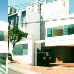 Loja Regina Salomão - Gutierrez, Belo Horizonte Lojas & Imóveis comerciais clássicos por Marcelo Sena Arquitetura Clássico