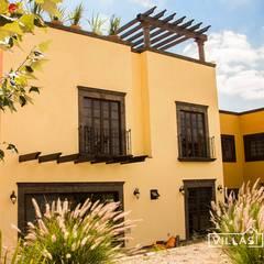 Casa en San Miguel de Allende. Villa Golden: Paredes de estilo  por VillaSi Construcciones