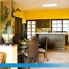 Villa Golden en San Miguel de Allende: Cocinas equipadas de estilo  por VillaSi Construcciones