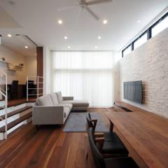 開放的なLDKの家: TERAJIMA ARCHITECTSが手掛けたリビングです。