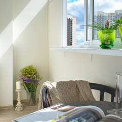 Ремонт небольшой квартиры в парижском стиле в ЖК «Рассказово»: балконы в . Автор – Архитектурное бюро «Парижские интерьеры»