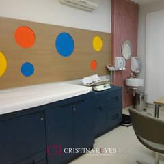 Clinics by Cristina Reyes Design de Interiores