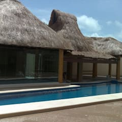 Garden Pool by SG Huerta Arquitecto Cancun