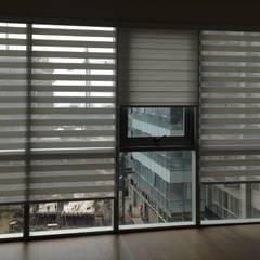 STAMPA: Ventanas de estilo  por Hall Arquitectos,