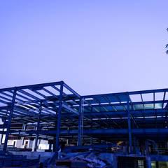 19. CEDIS VALLEJO: Edificios de Oficinas de estilo  por TARE arquitectos