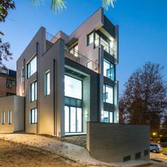 목동 유신메디칼 사옥: (주)건축사사무소 모도건축의  회사,모던 벽돌