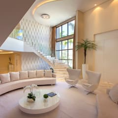 Tangga oleh Designer de Interiores e Paisagista Iara Kílaris, Modern