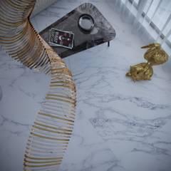 Красивый стильный проект от студии ХАТА в Италии! : Tерраса в . Автор – ХаТа - design