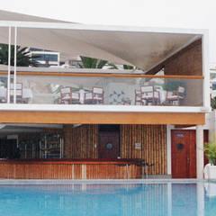 Hoteles de estilo  por PARQ SAC