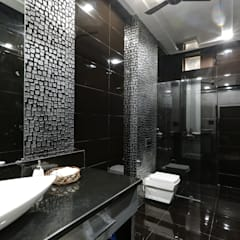 Residence Mr. Hardeep:  Bathroom by Studio Ezube