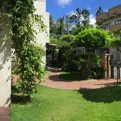 Front garden by 大地工房景觀公司