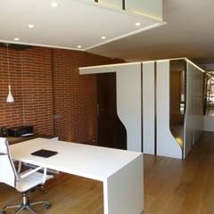 Loft Sucre A2: Estudios y despachos de estilo  de ESTUDIO DE CREACIÓN JOSEP CANO, S.L.