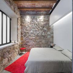 Vip Dekorasyon – Eski Bir Atolyenin Yaşanabilir Mekana Dönüşümü:  tarz Küçük Yatak Odası