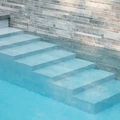 Ontwerp wellnesstuin Kaatsheuvel:  Zwembad door Studio REDD exclusieve tuinen