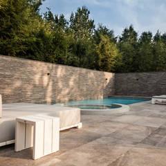 Spa by Studio REDD exclusieve tuinen, Minimalist