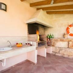 Diseño y construcción de una villa en Mallorca: Terrazas de estilo  de Diego Cuttone, arquitectos en Mallorca
