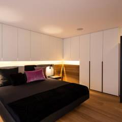 Modernisierung 50er Altbauwohnung:  Schlafzimmer von schulz.rooms