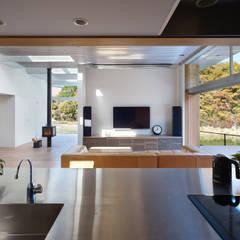 キッチン: 藤原・室 建築設計事務所が手掛けたキッチンです。