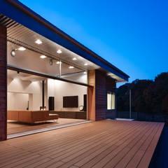 南河内の家/House in Minami-kawachi: 藤原・室 建築設計事務所が手掛けたテラス・ベランダです。