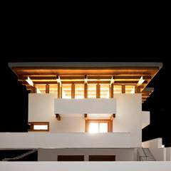 Projekt willi górskiej: styl , w kategorii Willa zaprojektowany przez KJ Architekci