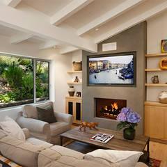 Phòng khách ngôi nhà tại Đà Lạt:  Phòng khách by DOLANHA
