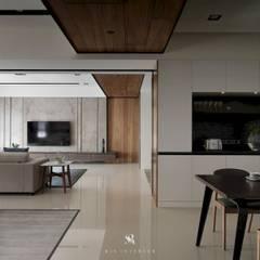 الممر والمدخل تنفيذ 理絲室內設計有限公司 Ris Interior Design Co., Ltd.