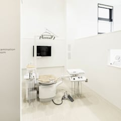 Clínicas de estilo  por 井上浩平建築設計事務所