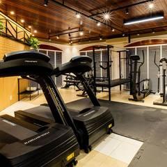 Academia F: Fitness  por ZOMA Arquitetura