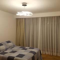 Dormitorio en Suite: Dormitorios de estilo  por MONARQ ESTUDIO