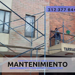 MANTENIMIENTO DE FACHADAS: Conjunto residencial de estilo  por CARLOS HORMECHEA ARQUITECTURA