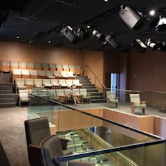Mezanino: Salas multimídia  por Carlos Eduardo de Lacerda Arquitetura e Planejamento