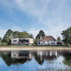 Creek House:  Detached home by AR Design Studio