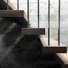 Creek House:  Stairs by AR Design Studio