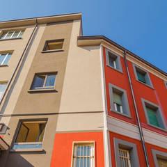 Palazzo Viale Jenner, Milano: Negozi & Locali commerciali in stile  di Decor Group