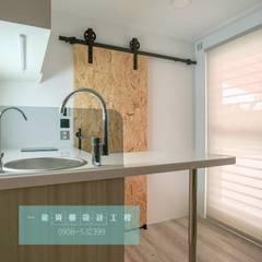 全新20呎定制型貨櫃套房:  餐廳 by 一龍貨櫃宅設計工程(貨櫃屋)