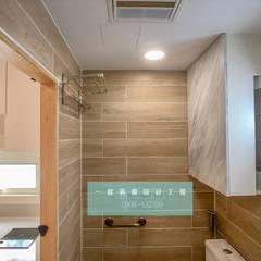 全新20呎定制型貨櫃套房:  浴室 by 一龍貨櫃宅設計工程(貨櫃屋)