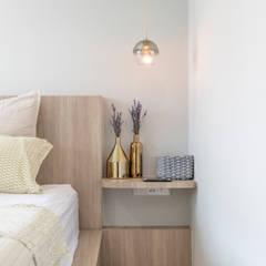 22 Teow Hock Avenue -  Scandinavian :  Bedroom by VOILÀ Pte Ltd,